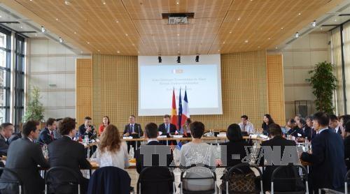 第四次法越高级别经济对话在法国举行 hinh anh 1