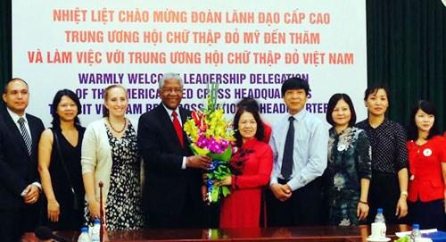 美国承诺继续协助越南开展人道主义活动 hinh anh 1