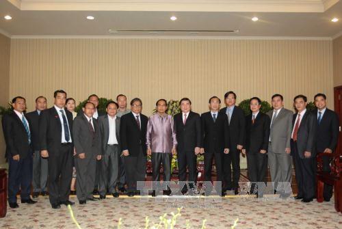 胡志明市领导会见老挝国家监察署代表团 hinh anh 1
