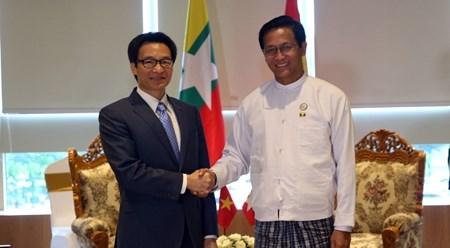 越南政府副总理武德儋会见缅甸副总统亨利班提育 hinh anh 1