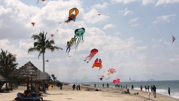 广南省大门海滩被评为世界最便宜旅游目的地 hinh anh 1