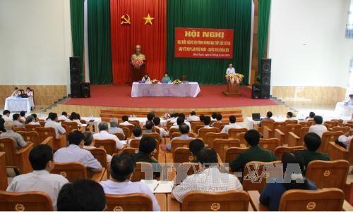 越南党和国家领导走进基层倾听选民意见建议 hinh anh 2