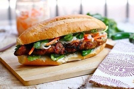 越南河粉、烤猪肉米线及面包跻身世界美食100强 hinh anh 3