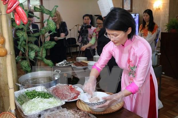 越南河粉、烤猪肉米线及面包跻身世界美食100强 hinh anh 1
