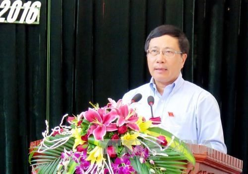 越南政府副总理范平明接触太原省的选民 hinh anh 3