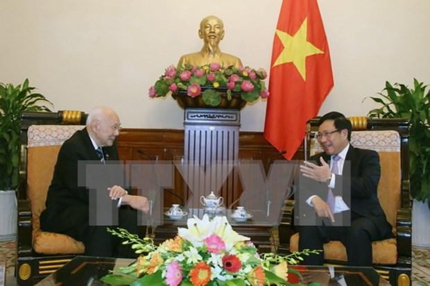 越南政府副总理兼外交部长范平明会见泰国前副总理兼外交部长陈裕财 hinh anh 1