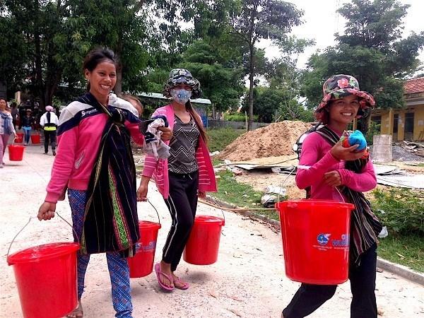 联合国妇女权能署为越南贫困女童和妇女赠送卫生用品 hinh anh 1