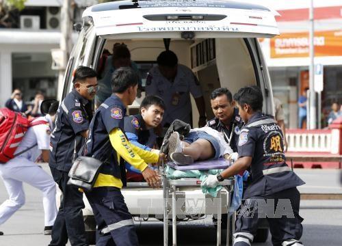 泰国南方多处遭到一连串炸弹袭击致4人死亡、多人受伤 hinh anh 1