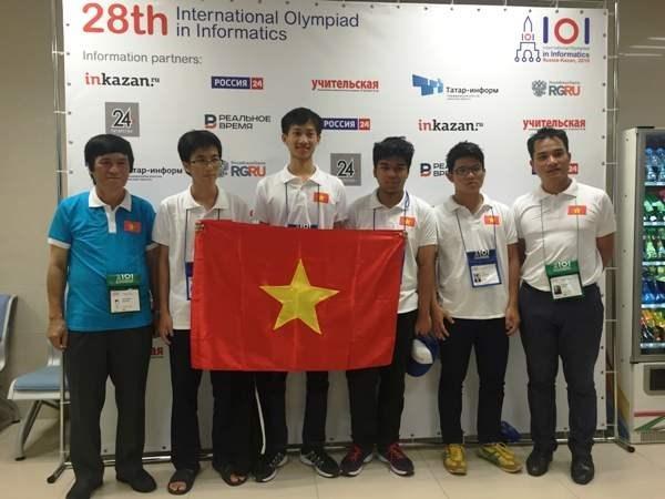 越南学生在国际信息学奥赛中夺得2枚金牌 hinh anh 1