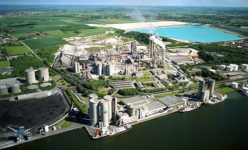 越南榕桔经济区投入运营20年后吸引投资总额105亿多美元 hinh anh 1