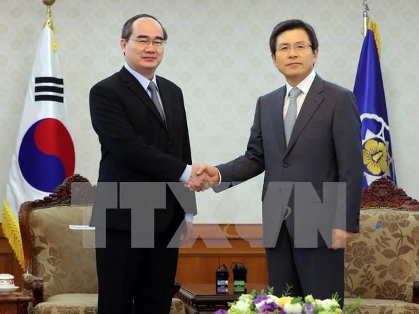 越南祖国阵线中央委员会主席阮善仁圆满结束对韩国进行友好访问 hinh anh 1