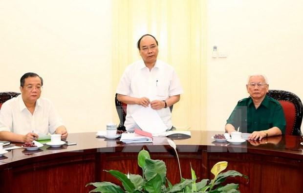 政府总理阮春福同老先锋青年协会代表进行座谈 hinh anh 1