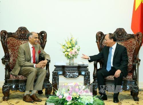 越南政府总理阮春福会见印度驻越大使帕尔瓦塔纳尼·哈里什 hinh anh 1