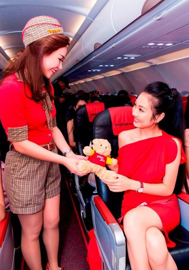 2016年越南小姐大赛:越捷的比基尼泳装让参赛佳丽的美丽充分释放出来 hinh anh 3