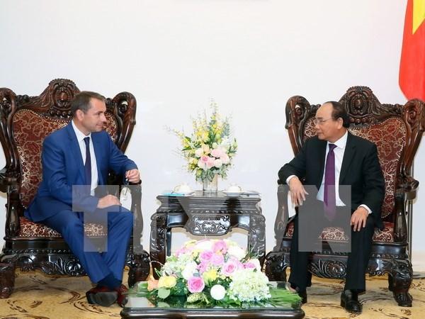 越南政府总理阮春福会见法国驻越大使 hinh anh 1