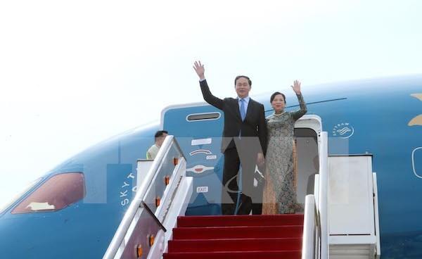 越南国家主席陈大光和夫人开始对新加坡共和国进行国事访问 hinh anh 1