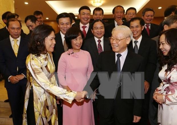 越共中央总书记阮富仲会见2016-2019年任期越南驻外大使与代表机构首席代表 hinh anh 1