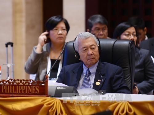 菲律宾:中国必须承认东海仲裁案的裁决 hinh anh 1