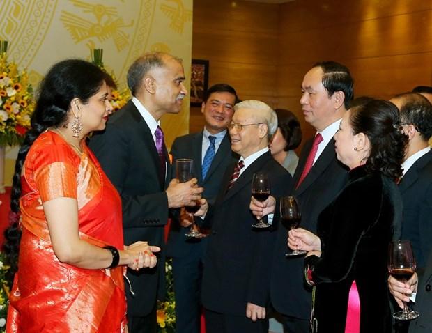 阮春福总理举行国庆招待会庆祝越南社会主义共和国成立71周年 hinh anh 1