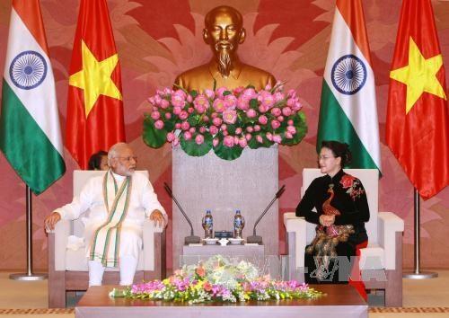 越南国会主席阮氏金银会见印度总理纳伦德拉•莫迪 hinh anh 1