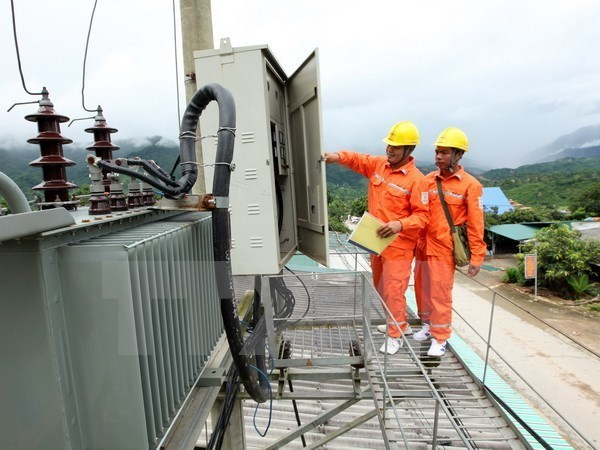 坚江省赖山和姜黃岛两个岛乡上各电力工程将在本月内通电 hinh anh 1