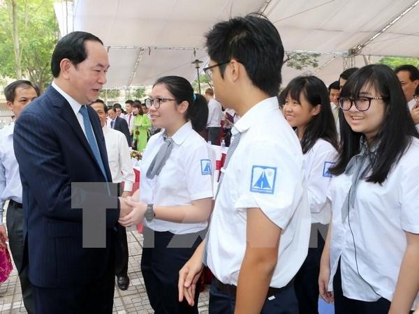 陈大光主席出席河内阿姆斯特丹重点高中开学典礼 hinh anh 2
