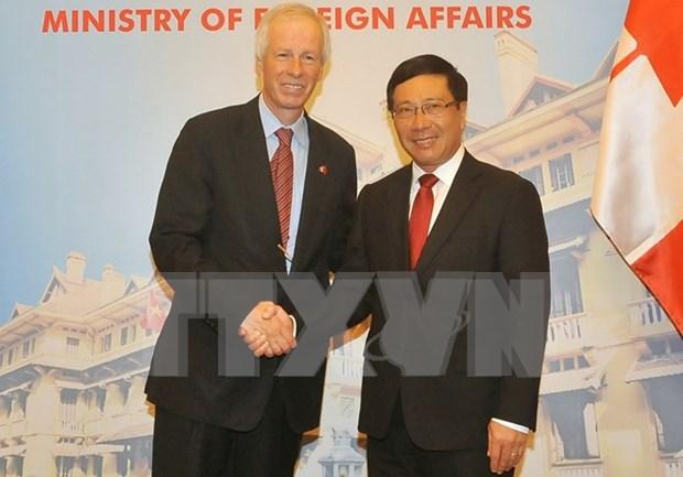 范平明与加拿大外交部长斯特凡纳•迪翁举行会谈 hinh anh 1