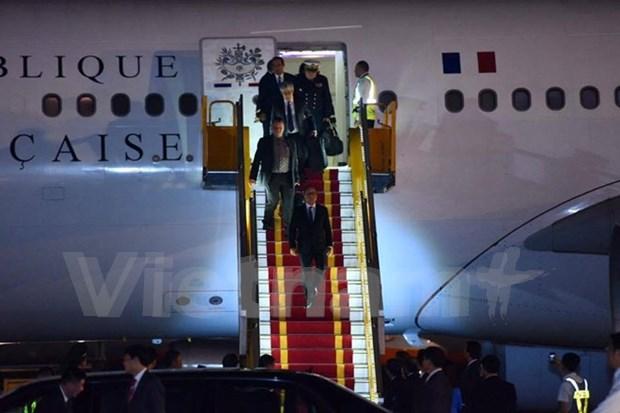 法国总统弗朗索瓦•奥朗德开始对越南进行国事访问 hinh anh 1