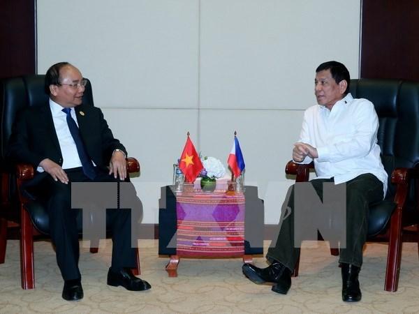 阮春福总理会见菲律宾总统杜特尔特 hinh anh 1