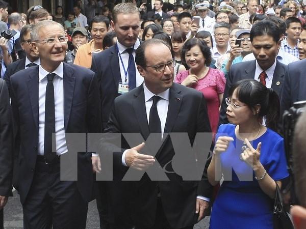 法媒对法国总统访问越南进行密集报道 hinh anh 1