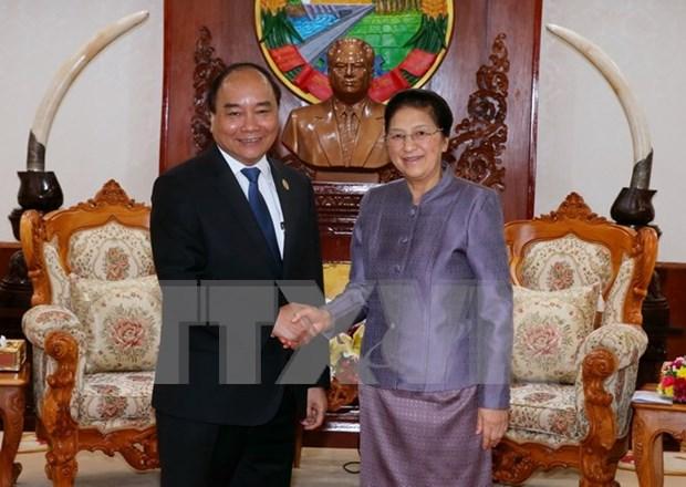 越南政府总理阮春福会见老挝国会主席巴妮•雅陶都 hinh anh 1