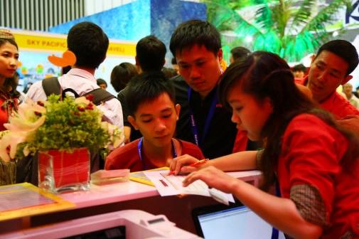 2016年胡志明市国际旅游展览会:越捷航空公司推出2100多张零价机票 hinh anh 2
