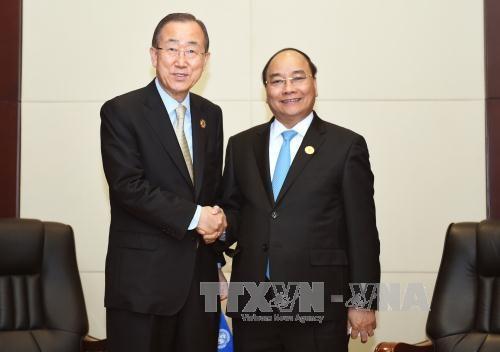 越南政府总理阮春福分别会见联合国秘书长与澳大利亚总理 hinh anh 1