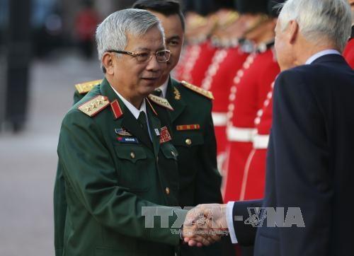 越南国防部代表团出席联合国维和部长级会议 hinh anh 1