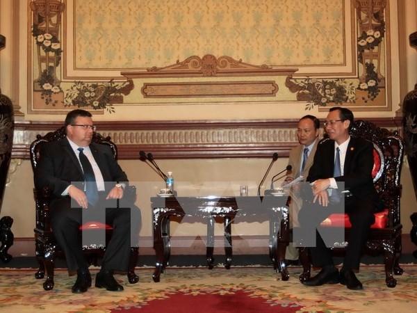 胡志明市希望同保加利亚首都索菲亚加强在检察领域的合作 hinh anh 1