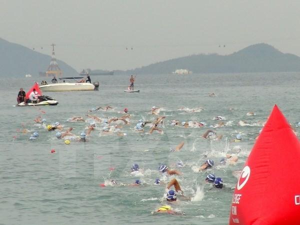 来自30多个国家的215名选手参加2016年越南三项全能挑战赛 hinh anh 1