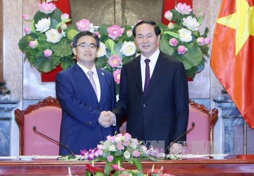 越南国家主席陈大光会见日本爱知县知事大村秀明 hinh anh 2