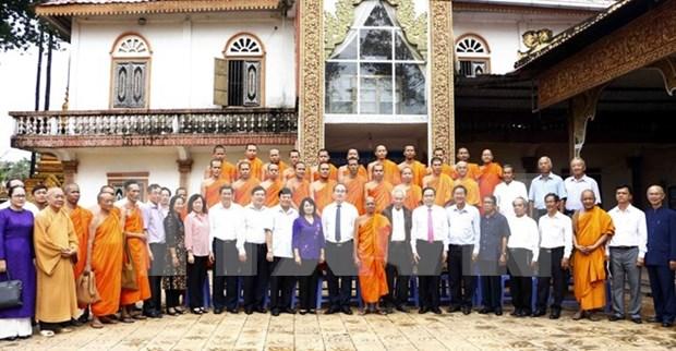 越南祖国阵线中央委员会主席阮善仁访问高棉南宗佛教学院 hinh anh 1