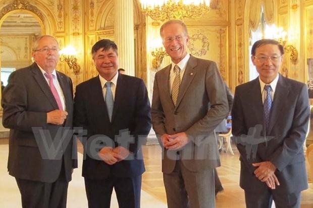 越南与德国各地推动经贸投资合作 hinh anh 1