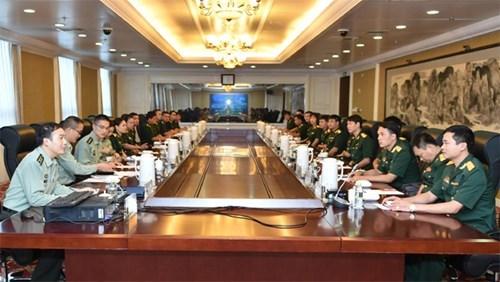 越南人民军青年军官代表团赴华参加2016年越中青年军官交流活动 hinh anh 1