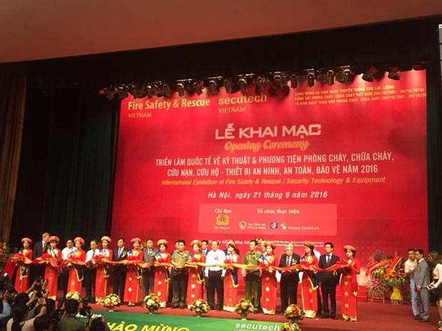 张和平副总理出席国际消防设备技术展览会 hinh anh 1