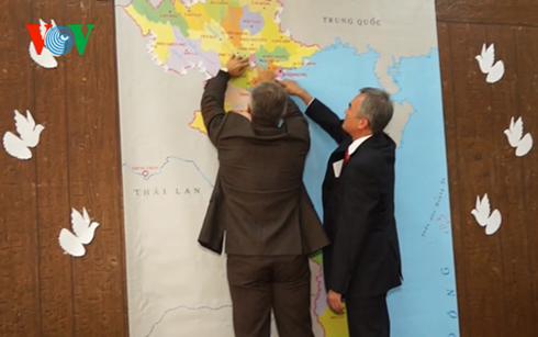 """""""致力于越南和平鸽子""""活动在乌克兰举行 hinh anh 1"""