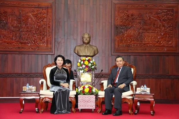 国会主席阮氏金银会见老挝建国阵线主席赛宋蓬·丰威汉 hinh anh 1