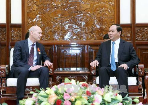 越南国家主席陈大光会见世界宣明会主席凯文·詹金斯 hinh anh 1