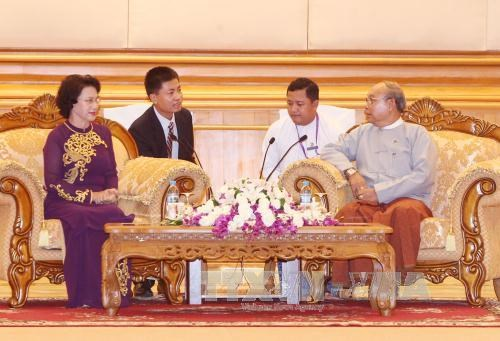 越南国会主席阮氏金银会见缅甸联邦议会议长曼温凯丹 hinh anh 1