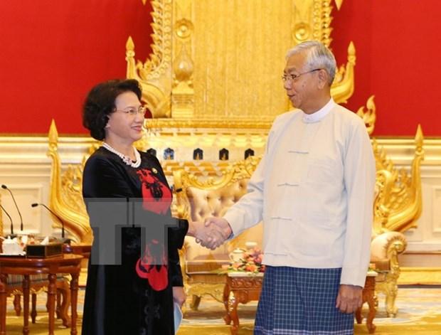 阮氏金银主席拜会缅甸总统丁觉 hinh anh 1