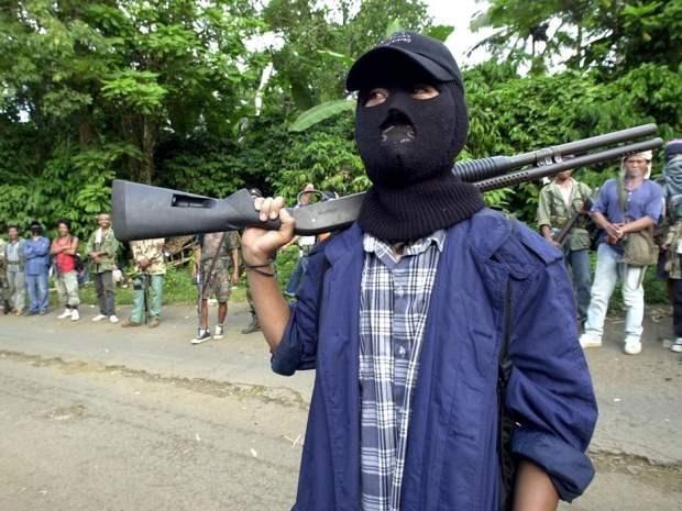 菲恐怖组织阿布沙耶夫释放三名印尼人质 hinh anh 1