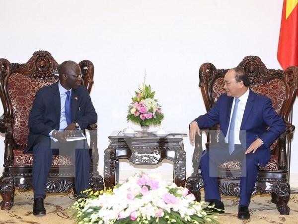 越南政府总理阮春福会见世行驻越南首席代表奥斯曼•迪奥 hinh anh 1