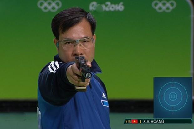 越南射击运动员黄春荣在10米气手枪项目位居世界首位 hinh anh 1
