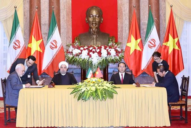越伊两国领导一致同意进一步加强多方面的合作 hinh anh 4